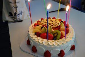 高野先生の誕生日をお祝いしました